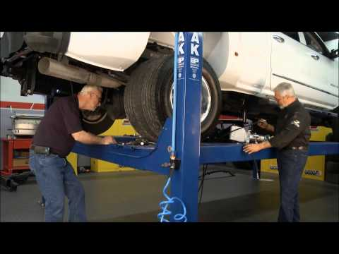 Lift And Tow On Motorhead Garage