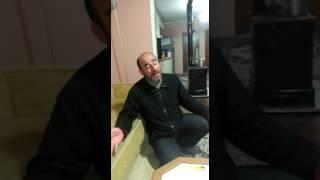 Türkü söyleyen amcaya neler oluyor! İzleyin