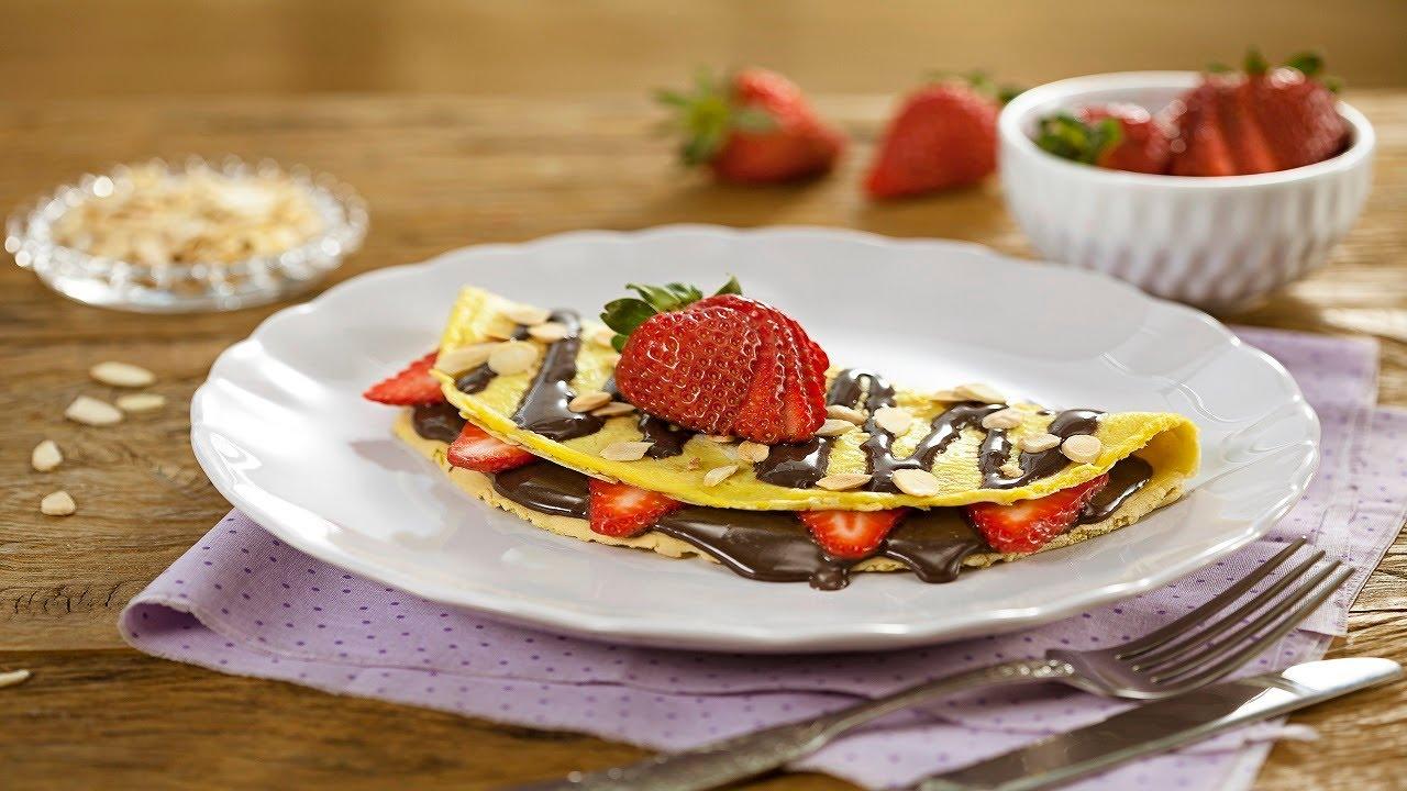 Crepioca Fit com Recheio de Morango e Chocolate - Receitas Nestlé