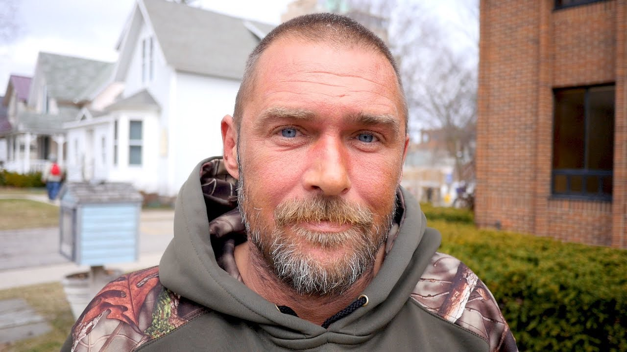 Homeless Man Shares Heartbreaking Story of Family Tragedy and Cancer.