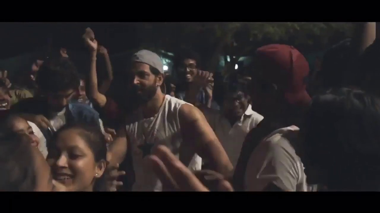 Superstar Hrithik Roshan Dancing on All time Hit BhojpuriSong LOLLIPOP LAGELU -With Super30 Students