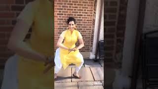 Punjabi Fudi Den Wali Girl Moti Fudi Bond Isde. Yaaro Dekho