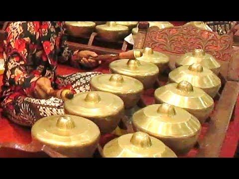 lancaran-manyar-sewu-/-javanese-gamelan-music-jawa-/-karawitan-kptu-vokasi-ugm-[hd]