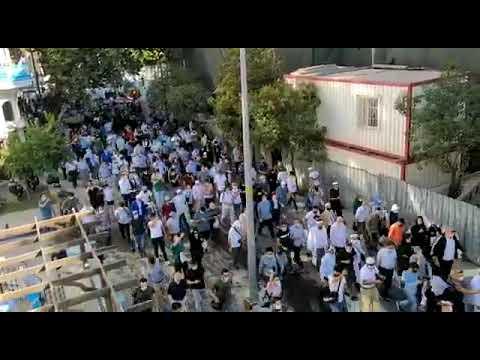 """""""#آيا_صوفيا"""".. حشود كبيرة للمشاركة في أداء أول صلاة جمعة قبيل صلاة الجمعة"""