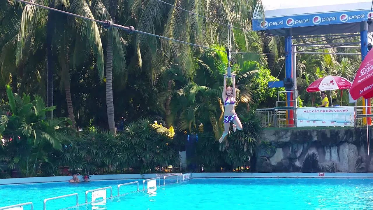Zip Line Into The Pool Atdamsenwaterpark