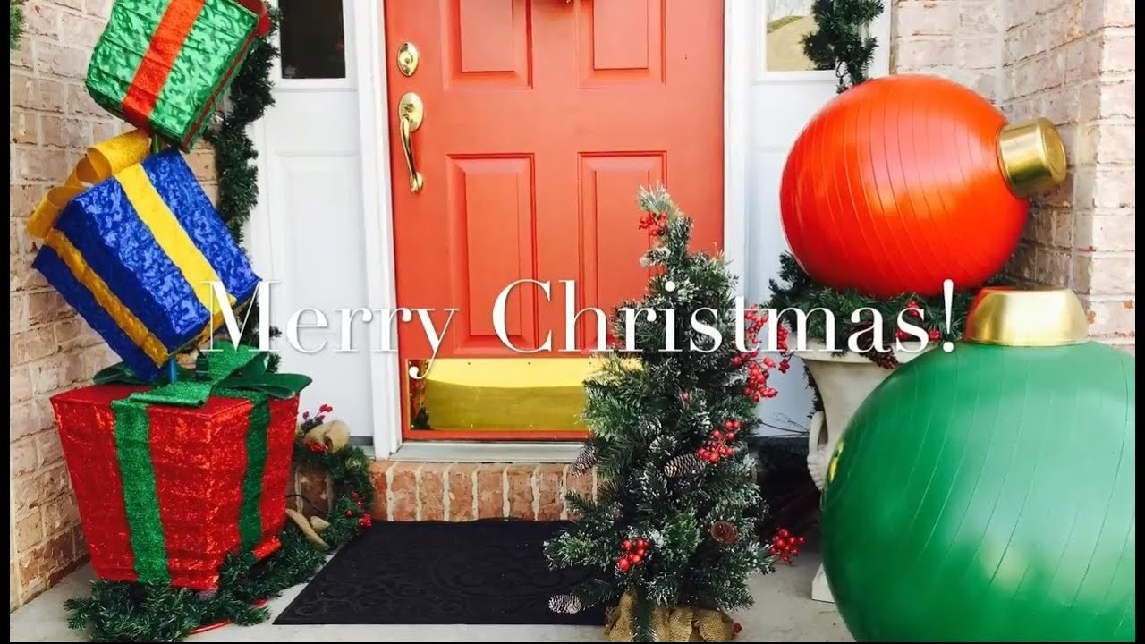 giant christmas ornaments diy by the frugalnista - Large Christmas Decorations