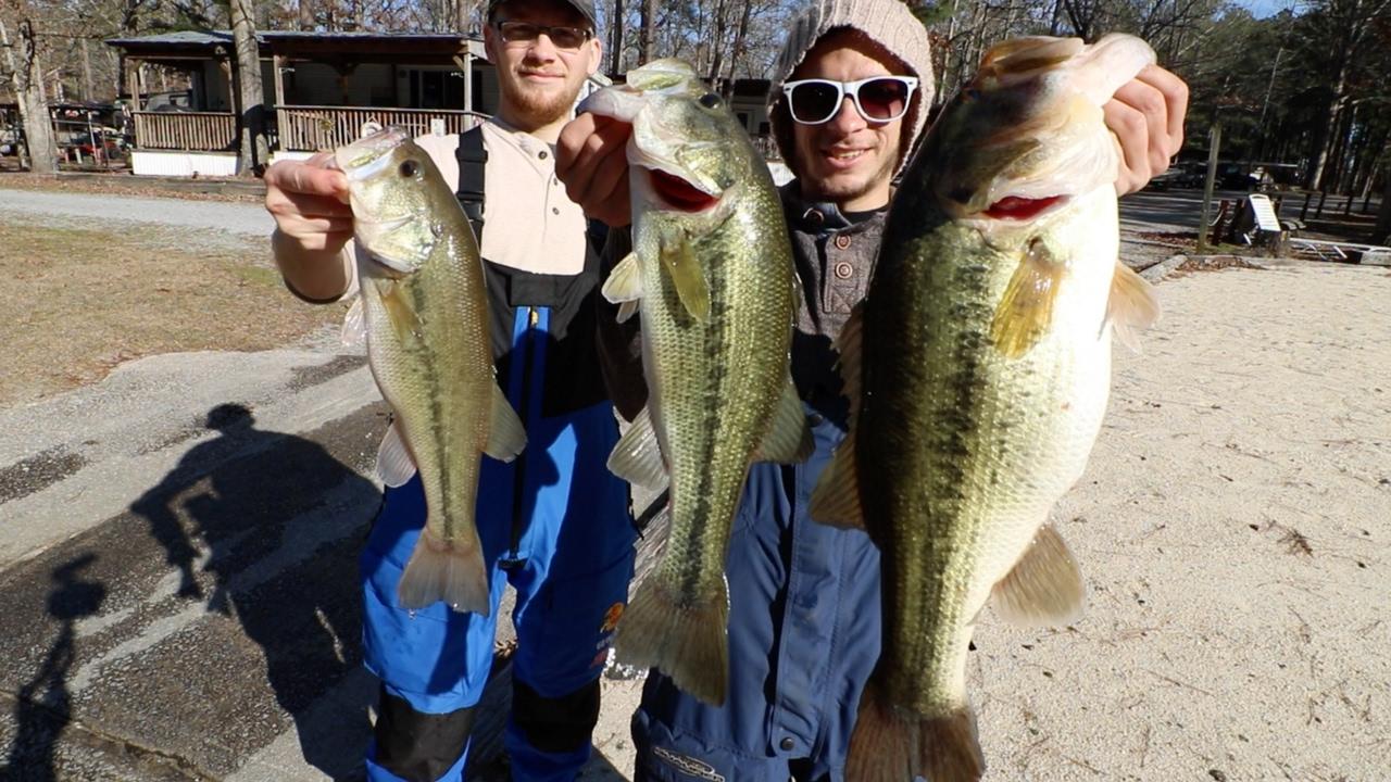 Late winter bass fishing on lake gaston caught a stud for Lake gaston fishing