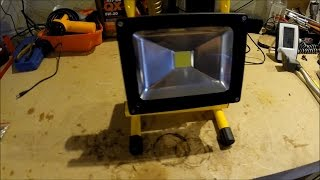 Beeway 20w LED rechargeable work Floodlight(, 2016-04-08T20:17:57.000Z)