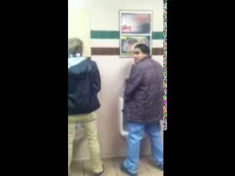 guys pissing video