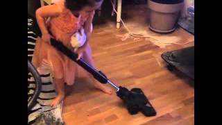 Дочка Михаила Галустяна учится убирать