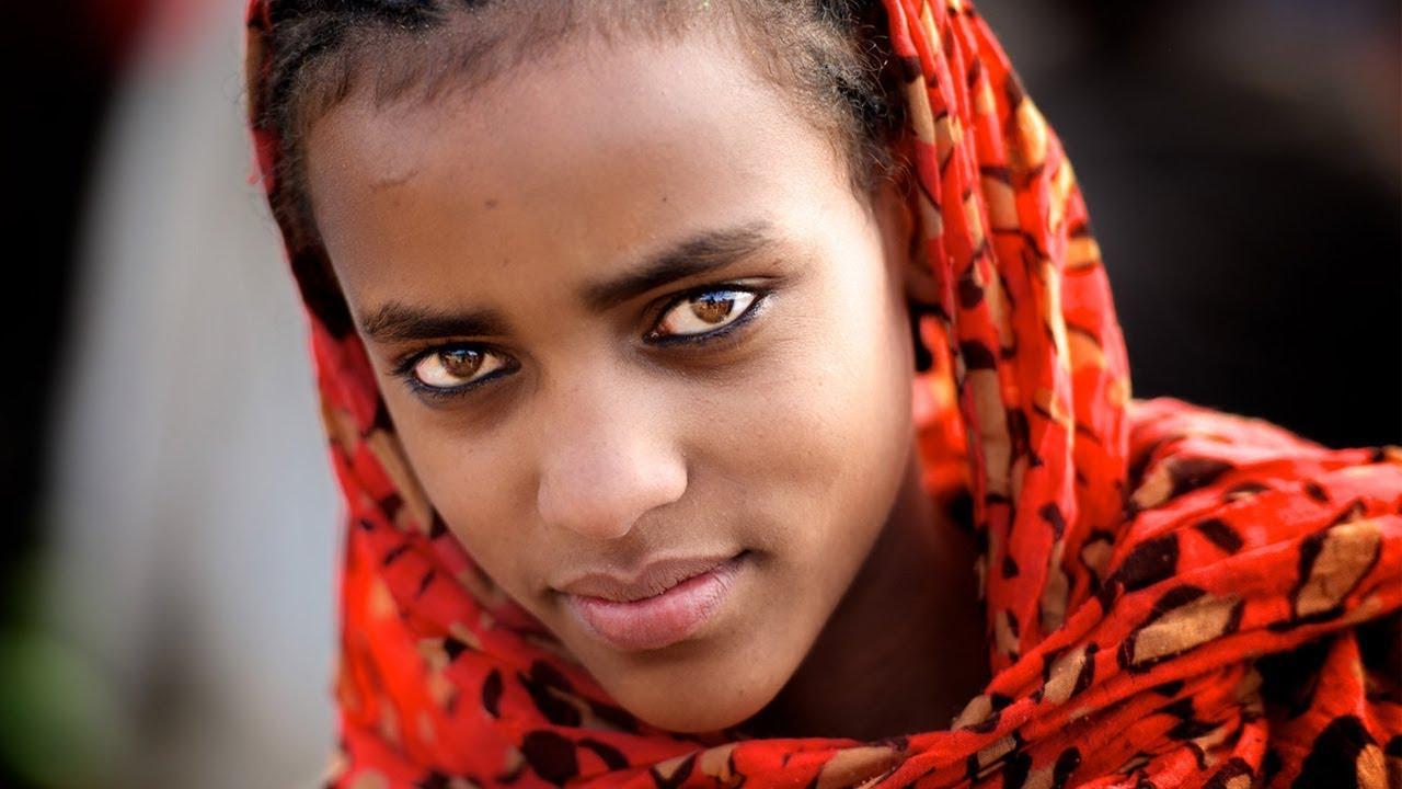 這個黑人國家盛產非洲美女,經濟方面也是非洲排名數一數二的。都說人杰地靈育人美,非洲最漂亮的女人Lolita(真正的黑珍珠)_排行榜123網
