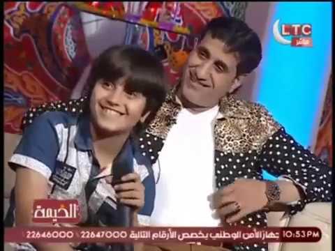 ابن الفنان 'احمد شيبه' يفاجئه بدخول الاستوديو عالهواء
