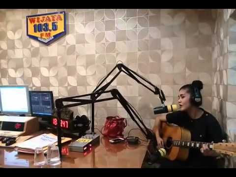 Mega Dirilla - Hiduplah Dalam Hidupku   Live on Wijaya FM 103.5 Surabaya