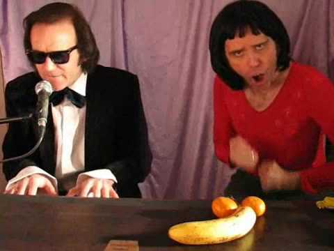 FREDDIE MERCURY AND LENNY PETERS by Stevie Riks (MrSTEVIERIKS) streaming vf