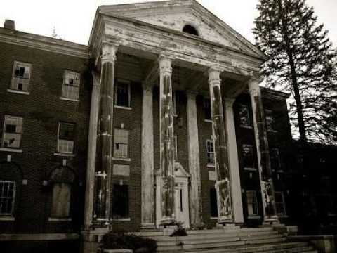 Ep. 128 - Fairfield Hills State Hospital and Charles Island
