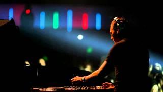 BBC Radio 1. Essential Mix - Tiesto Live From Disneyland, Paris. (2005-04-24)