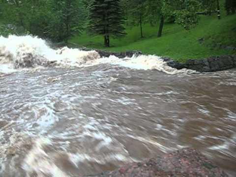Duluth, MN Flood 6-20-12_2_Lincoln Park_Boulders Slammed Together.AVI