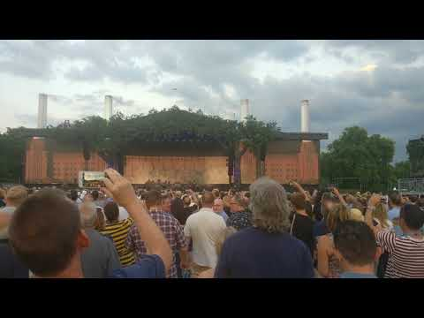 Roger Waters, Battersea Power Station rising in Hyde Park (poor quality sound)