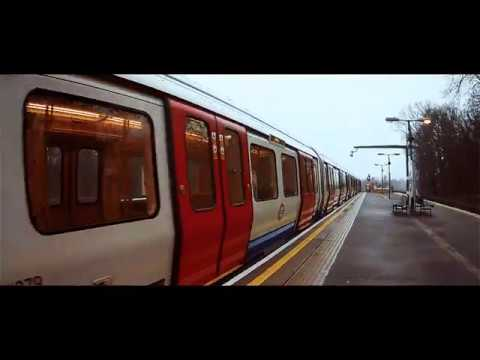 "Day Docs - Silent Observer on LONDON TRAIN ""4K"""