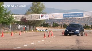 BMW 225xe iPerformance Active Tourer. Maniobra de esquiva (moose test) y eslalon | km77.com