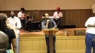 Pastor Rayshawn Terry singing Drinking of the Wine