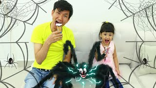 Friendly Spider Story Nora and Daddy