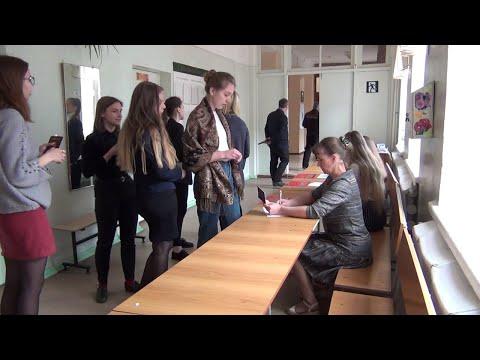 Горячая пора у выпускников. Школьники Верхней Салды сдают итоговые экзамены
