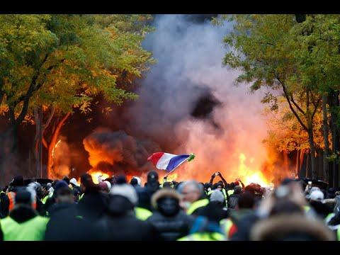 الشرطة تشتبك مع المتظاهرين بالشانزيليزيه  - 19:54-2018 / 12 / 1