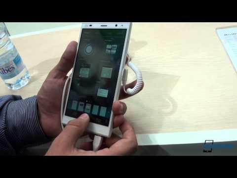 ZTE Grand Memo II Hands-on - MWC 2014