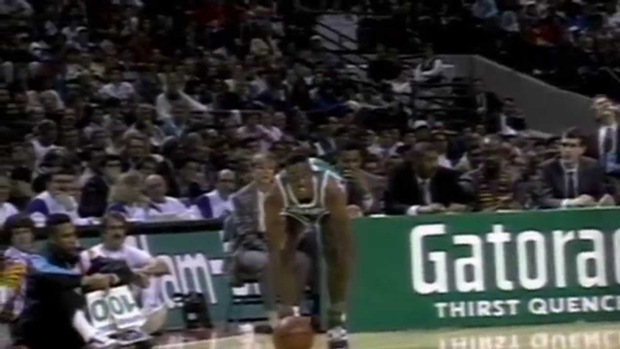 Dee Brown Looks Back At The 1991 Dunk Contest NBA