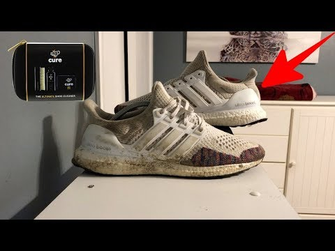 How to Clean WHITE sneakers and ULTRABOOSTS (Deep Cleaning/Best Way to clean sneakers!)