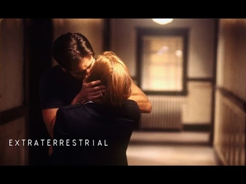 ►Mulder & Scully   Extraterrestrial (E.T)