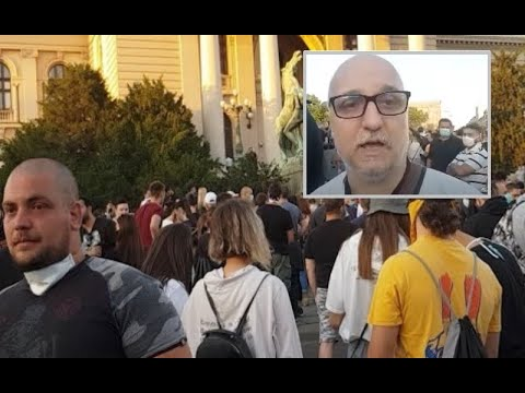 UŽIVO: Narod ispred Skupštine, Dejan Petar Zlatanović nastavlja da prenosi dešavanja sa protesta
