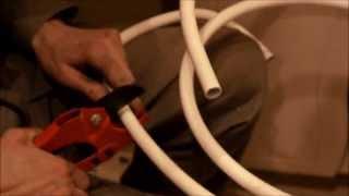 Установка счётчиков воды. Часть 5. Подключение водомеров.(Как устанавливать счётчики воды. Подключение водомеров. Трубы из металлопласта. Сантехник в Москве круглос..., 2013-04-23T13:54:15.000Z)