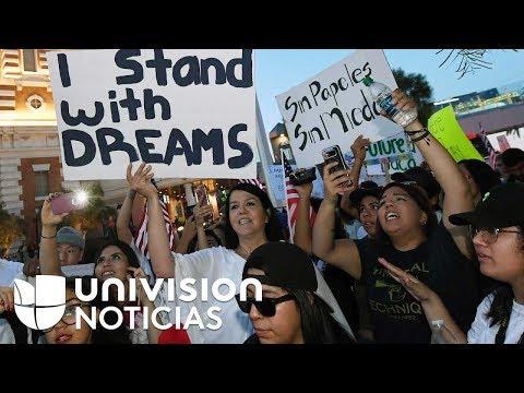 Emoción contenida entre los dreamers por la decisión de mantener DACA, al menos de momento