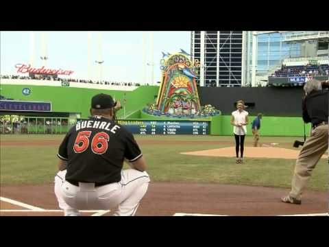 Lesley throws out first pitch at a Red Sox-Marlins Game