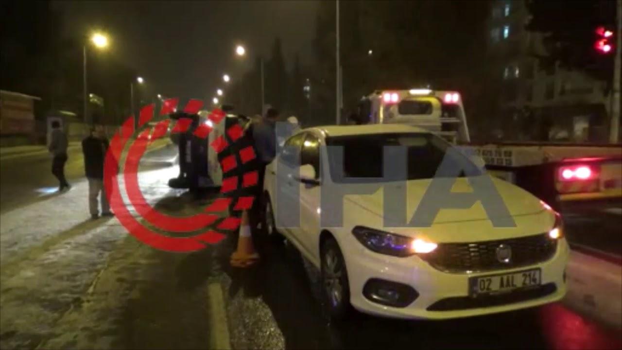 Buzlu yolda takla atan ambulans 2 otomobile çarparak durabildi
