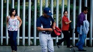 La Antesala TV : El corto / Las mujeres los prefieren peloteros.