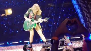 Taylor Swift Singing With Fans In Texas 2018