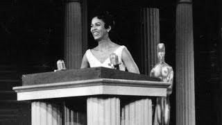 "Dorothy Dandridge presents an Editing Oscar® to ""On the Waterfront"""