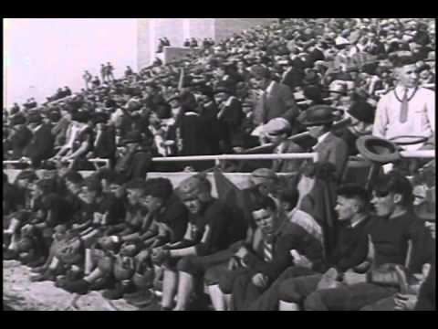 Red Grange Becomes a Football Legend