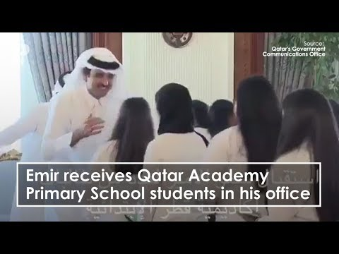 Emir receives Qatar Academy Primary School students in his office