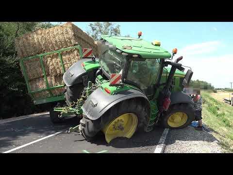 Leszorította A John Deere Traktort A Kamion A 86-oson - Elhajtott A Helyszínről Az Okozó