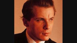 Glenn Gould- Bach's Piano Concerto No.1 in D minor (BWV 1052) thumbnail