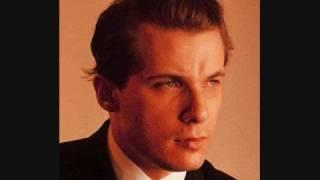 Glenn Gould- Bach's Piano Concerto No.1 in D minor (BWV 1052) thumbnail