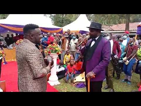 See What Nyareso gifted Babu Gee Omosayansi on His wedding day 🙈
