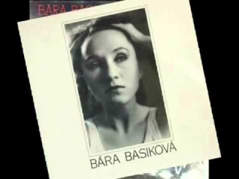 Bára Basiková souměrná