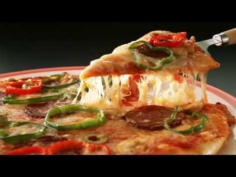 طريقة تحضير بيتزا مغربية سهلة إقتصادية لذيذة و سريعة في الفرن Tari9at Tahdir Pizza Maghribiya Youtube
