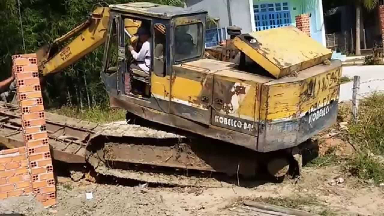 Excavator Fail Excavator Hit Collapse The Wall Excavator