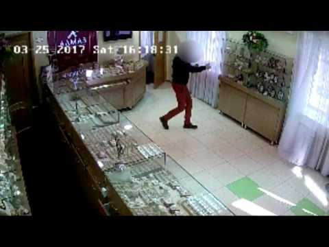 Шелехов. Разбойное нападение на магазин